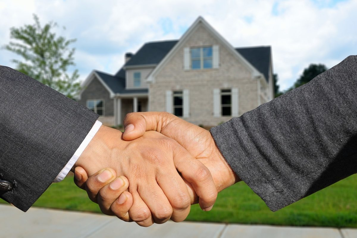 自宅売却契約成立後の握手