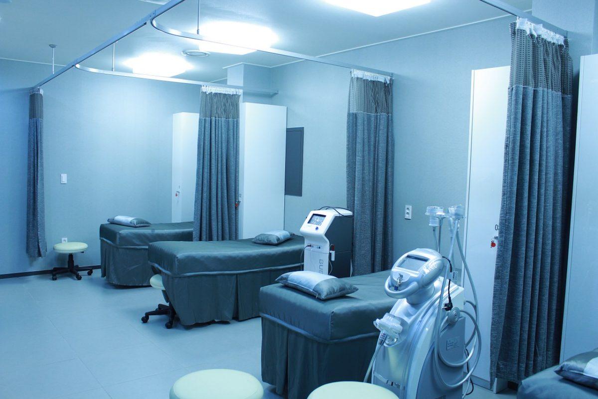 親が骨折して入院した病室